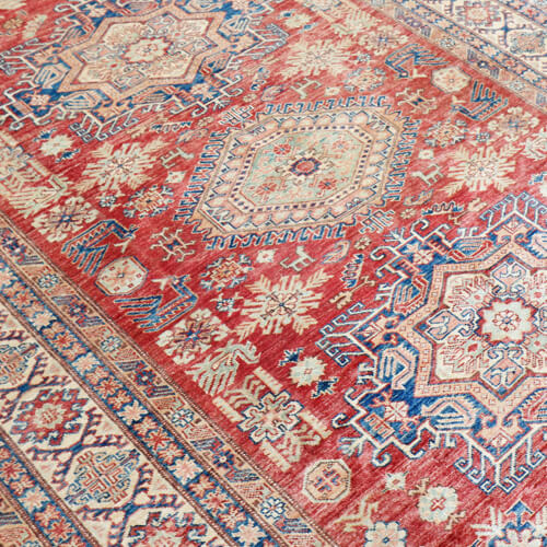 http://carpetpalace.fr/media/catalog/category/classique-kazak_1.jpg