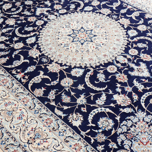 http://carpetpalace.fr/media/catalog/category/persan-nain_2.jpg